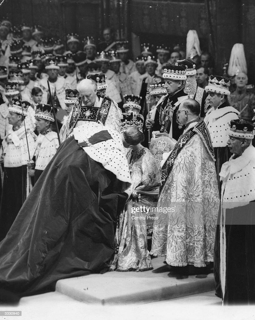 Coronation Kiss : News Photo