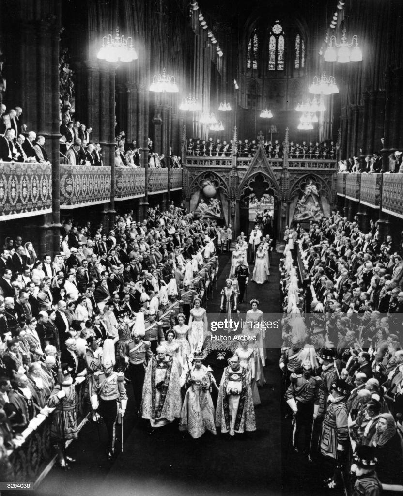 Royal Crowning : News Photo