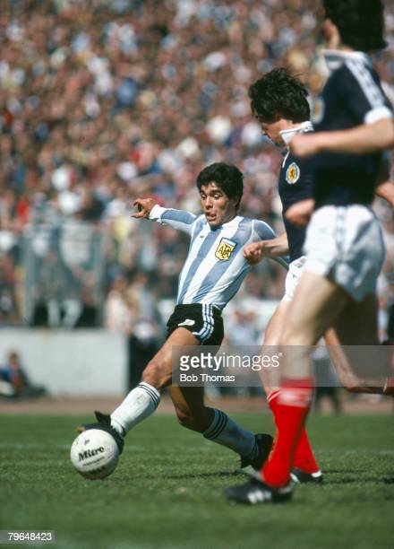 2nd June 1979 Friendly International Scotland 1 v Argentina 3 Argentina's Diego Maradona plays the ball past the Scottish defenders Diego Maradona...