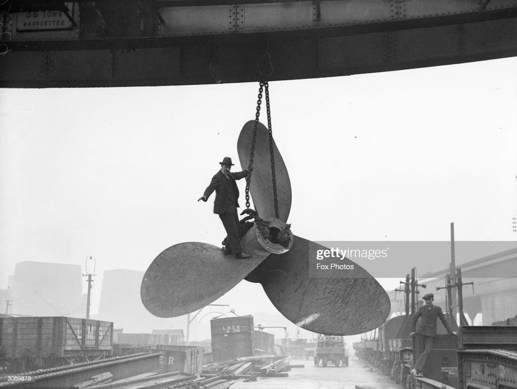 Giant Propeller : News Photo