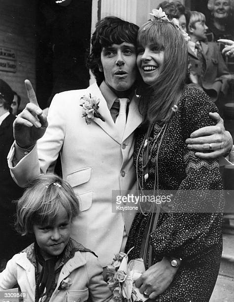 Folk pop singer Donovan and Lynda Lawrence get married at Windsor Register Office accompanied by Lynda's six year old son Julian her child by former...