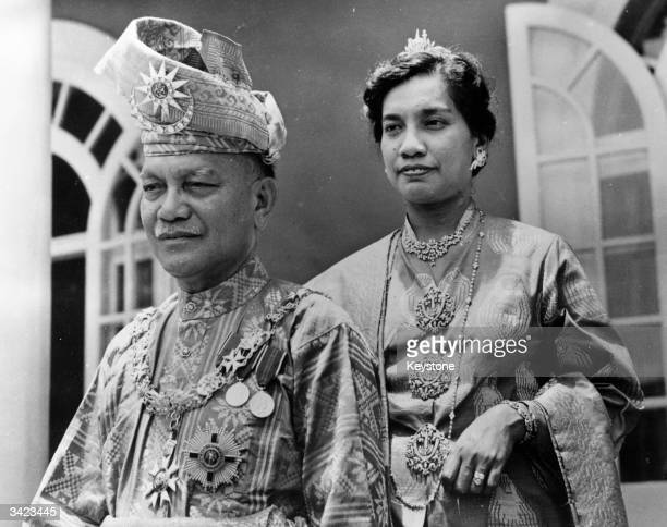 King And Queen Abdul Rahman of Malaya watching celebrations in order of their country's independence at Istanan Negera Kuala Lumpur