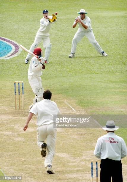 2nd TEST 1st DAY 19/3/2004 AT THE QUEENS PARK OVAL PORT OF SPAIN TRINIDAD READ ABOUT TO TAKET THE CATCH FROM CHANDERPAUL OFF JONES.