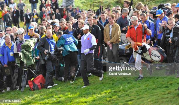 2ndt DAY FOURBALL..TIGER WOODS AT THE 18TH.