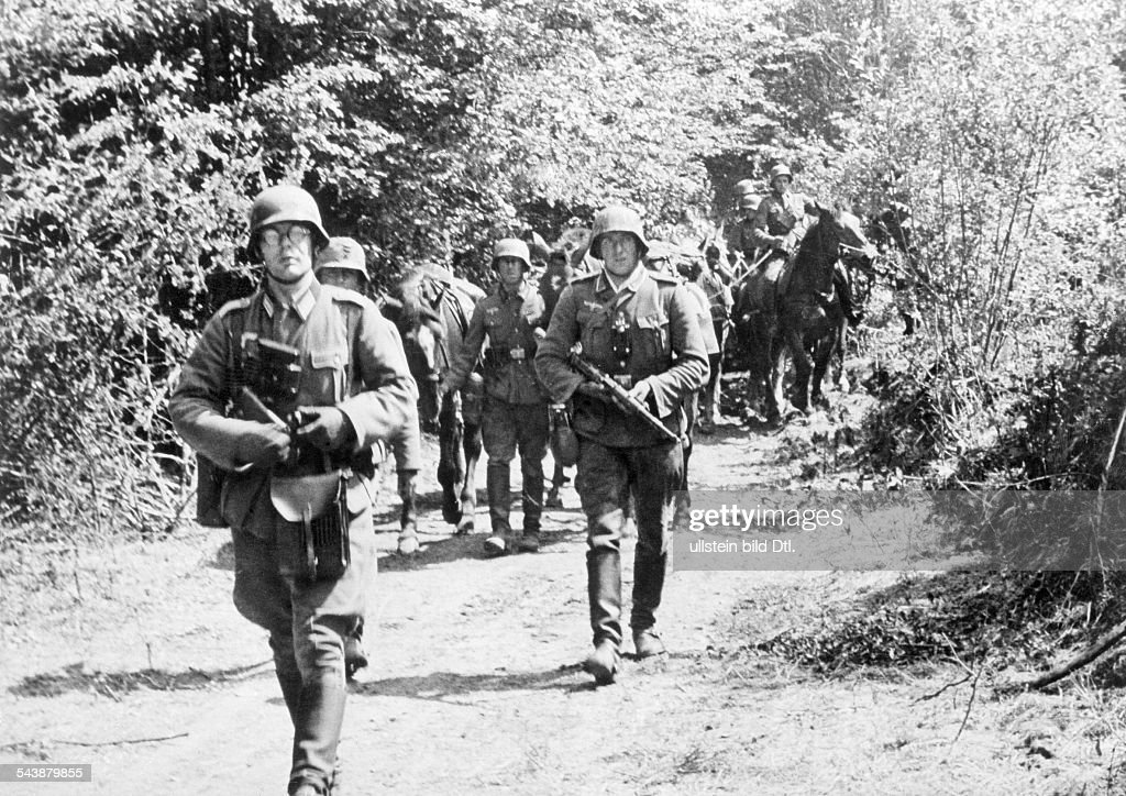 campaign in the west 10 5 -: German infantry after crossing