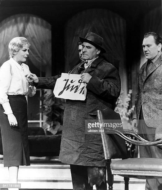 Schauspieler Regisseur Österreich in der Rolle des Professor Mamlock inder gleichnamigen Aufführung vonFriedrich Wolf mit Ursula Burg als seineFrau...