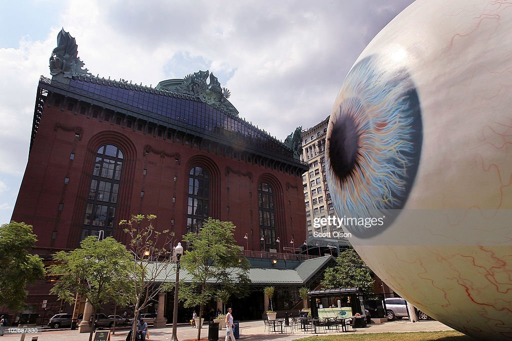 30-Foot Eyeball Sculpture Debuts In Chicago Park : News Photo