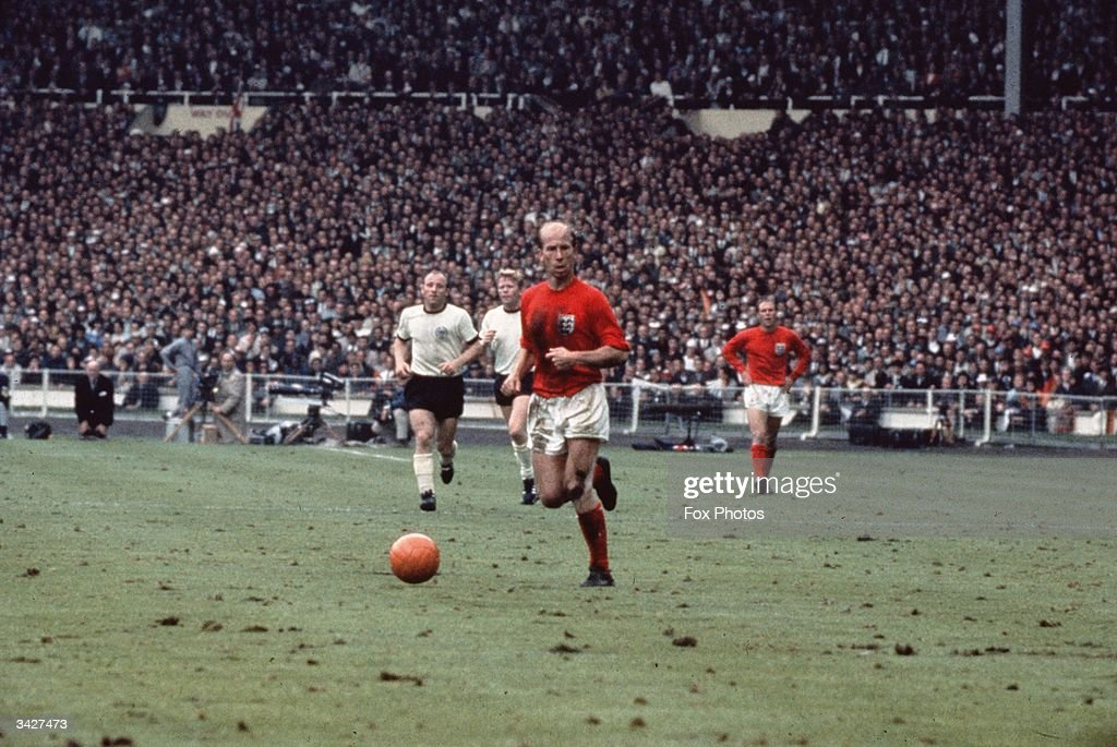 Bobby Charlton : News Photo
