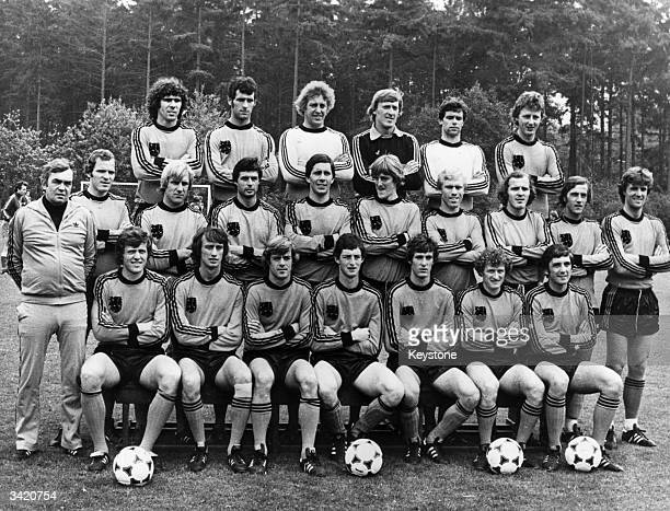The Dutch World Cup squad for 'Argentina 78' From the back row and from left to right are Van Hanagem Nanninga Schrijvers Doesburg Jongbloed...