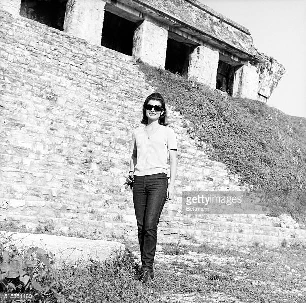 3/10/1970Palenque Mexico Jacqueline Kennedy visits Mayan ruins in Palenque Mexico 3/10 She is due to visit Chichen Itza March 11th