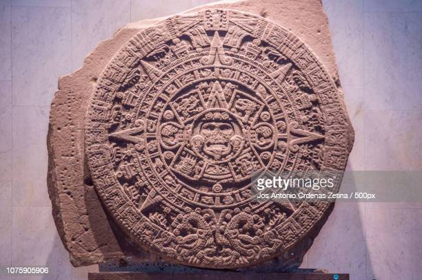 31913911954.jpg - calendario azteca fotografías e imágenes de stock
