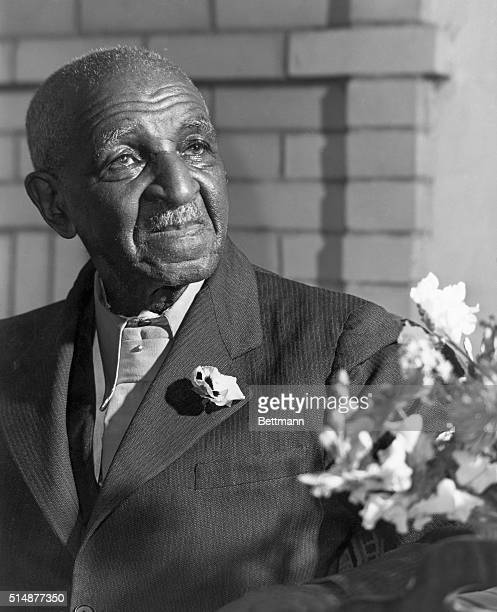 Dr George Washington Carver American negro botanist taught at Tuskeegee Institute Alabama Head and shoulders photo March 1942 ORIGINAL