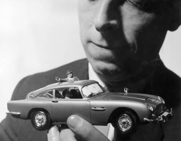 UNS: James Bond Through The Years