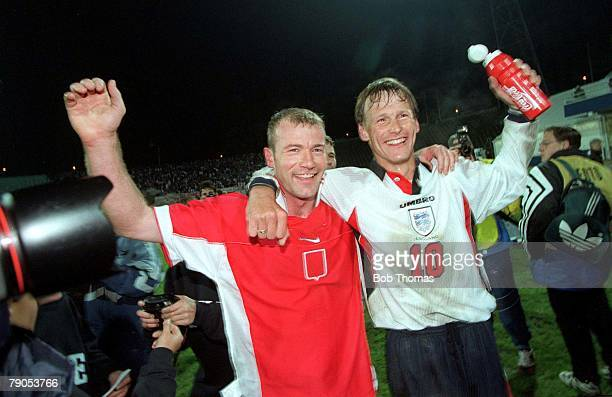 31st MAY 1997 World Cup Qualifier Chorzow Poland Poland 0 v England 2 England's goalscorers Alan Shearer and Teddy Sheringham celebrate after the...