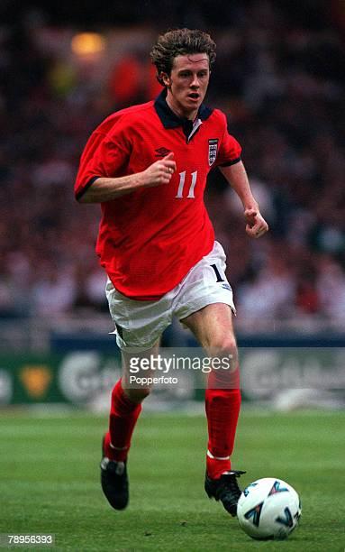 31st May 2000 Wembley London Friendly International England 2 v Ukraine 0 England's Steve McManaman runs with the ball
