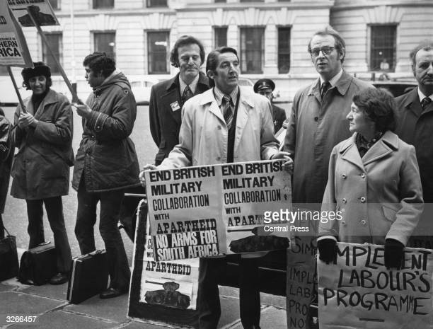 Dennis Skinner MP joins a protest outside the Ministry of Defence against Britain's military collaboration with apartheid in South Africa