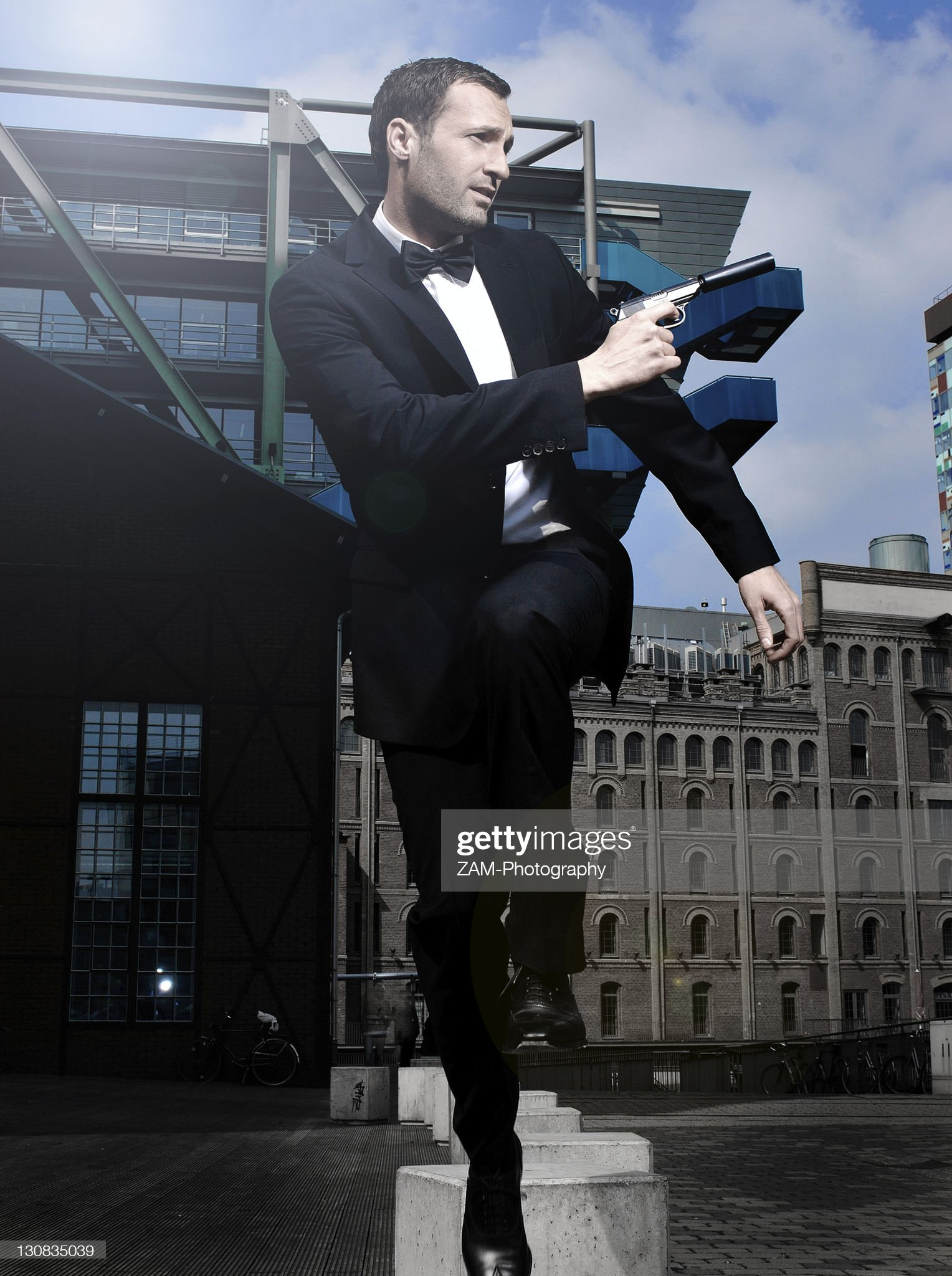 31yearold-man-dressed-up-as-james-bond-in-duesseldorf-harbour-north-picture-id130835039?s=2048x2048