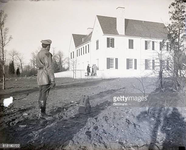 3/2/1932Hopewell NJ Every available means have been rushed into service by police of 4 states in their efforts to trace the kidnappers of Charles...