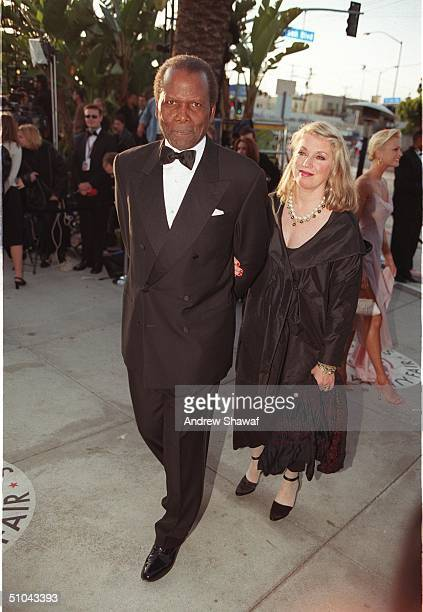 West Hollywood, Los Angeles. Sidney Poitier And Joanna Shimkus Arrive At The Vanity Fair Oscar Party Held At Mortons Restaurant