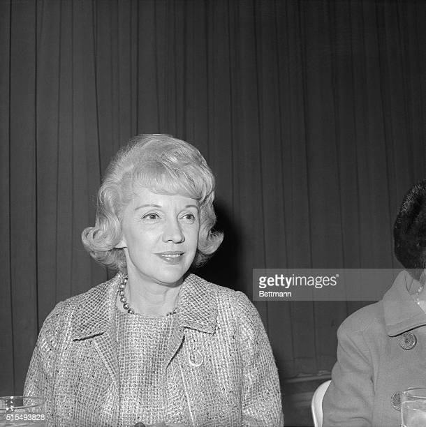 Pauline Frederick NBC correspondent