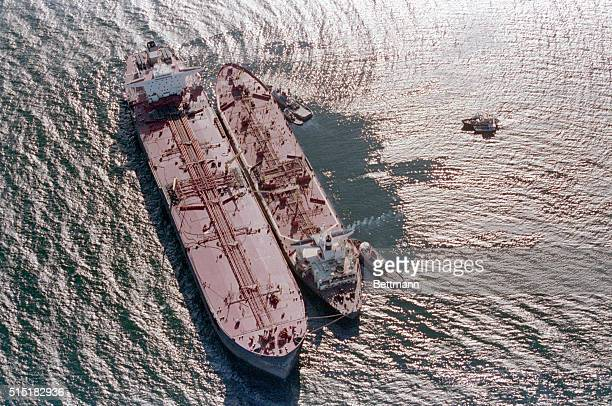 3/29/1989Valdez Alaska Oil from the stricken tanker Exxon Valdez is pumped aboard the Exxon Baton Rouge as cleanup efforts continue in the Prince...
