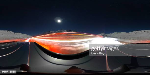 360-degree view of a double tanker truck in alaska - 360 degree view photos et images de collection
