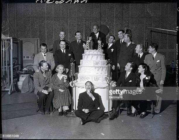 3/7/1935At the 10th anniversary of station KFWB are left to right front Warren William Bette Davis Benny Rubin Dick Powell and Wini Shaw Left to...
