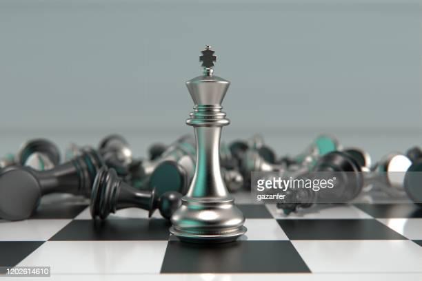 3d gesmolten metaal schaakstukken - combat sport stockfoto's en -beelden