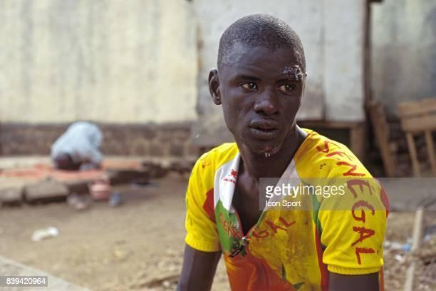 3eme Tour International du Cameroun 4eme étape Ngaouyanga Ngaoundéré Malik Thiam qui a chuté en percutant un habitant de Ngaoundéré qui...