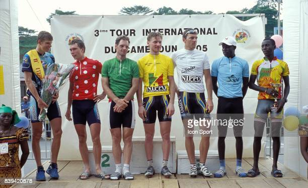3eme Tour International du Cameroun 11eme et derniv°re v⌐tape Ebolowa Yaoundv⌐ Podium des maillots De gauche vå droite Ruubel Raul vainqueur de la...