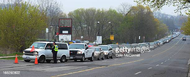 MAY 3rd 2012pics of the lineup was around 2kilometers long this morning when motorists lined upeast from a shell gas station at 2498 Gerrard st...