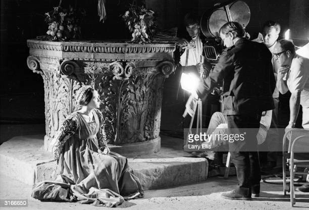 Franco Zeffirelli directs English actress Olivia Hussey in a screen version of Shakespeare's 'Romeo and Juliet'