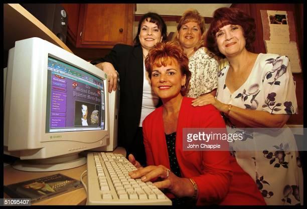 3Rd July 1999 Garden Grove California ' The Michael Crawford Phantom Movie Campaign' Members Take A Look A Their Web Site Founder Diane Flogerzi Beth...