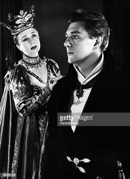 Googie Withers as Gertrude and Michael Redgrave as her tortured son in a production of Shakespeare's 'Hamlet' at StratforduponAvon