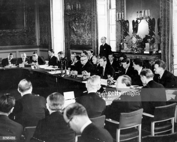 The assembly of 10 European countries at the meeting of the 'Council Of Europe' at St James' Palace London drawing up and signing the Constitution
