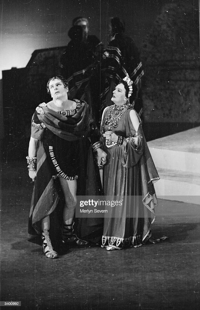 Laurence Olivier and Sybil Thorndike playing Oedipus and Jocasta in a production of Sophocles' tragedy 'Oedipus Tyrannus' at the New Theatre in London. Original Publication: Picture Post - 3019 - Oedipus Rex: A Great Greek Tragedy - pub. 1945