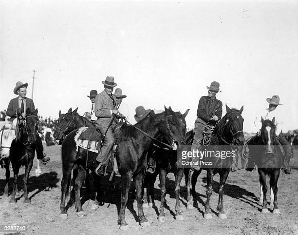 The Duke of Windsor then Edward Prince of Wales rides a bronco with a group of cowboys at Saskatoon during his royal tour He succeeded his father as...