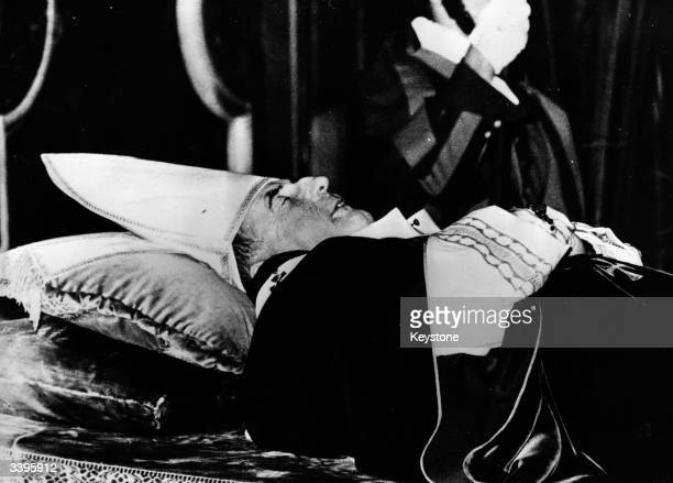 Pope John Paul lying in state in the Clementine Chapel of St Peter's Basilica Rome