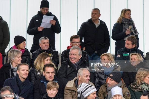 3rd row lr former National Coach Tina Theune unkown visitor DFB Vice President Peter Frymuth former National Coach Silvi Neid and National Coach...