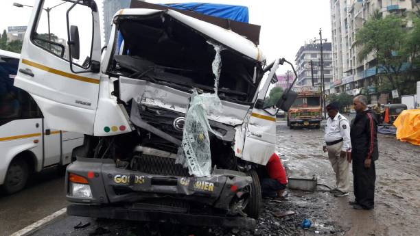 Photos et images de One Dead, One Injured In Road Accident