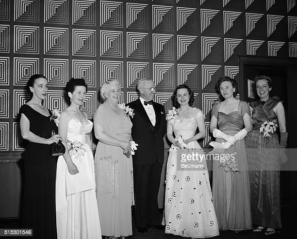 4/15/1950Washington DCAt a dinner given by the Women's National Press Club President Truman presents awards of achievement to six outstanding...