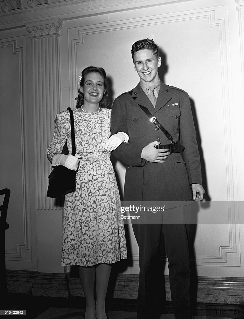 Lieutenant Cord Meyer Jr., and Wife Mary P.Meyer : News Photo
