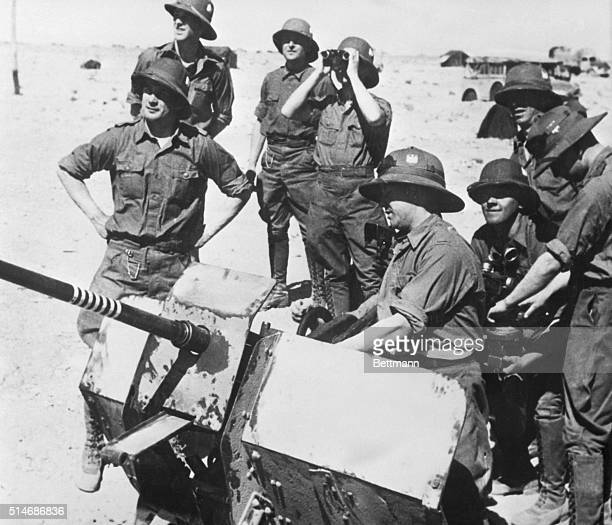 German troops holding a light antiaircraft gun ready for instant action on the Libyan Front