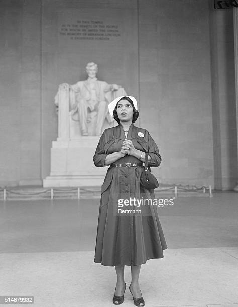 Washington: Thousands of listeners gather in front of the Lincoln Memorial in Washington to hear famed contralto Marian Anderson sing at memorial...