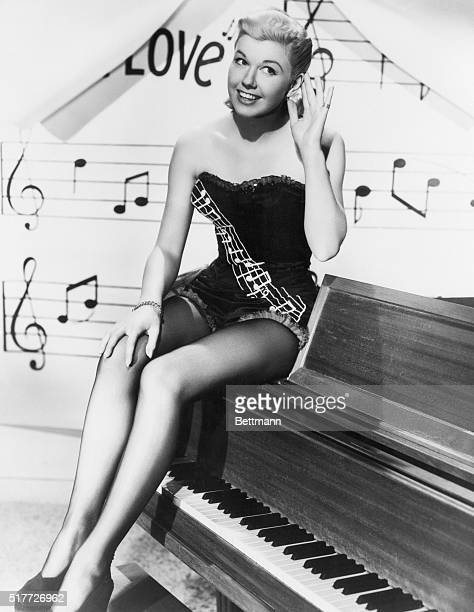 4/30/1948Hollywood CA Songsteress Doris Day has been named 'Sweet Note of Music' for 1948 by the National Music Trades Association Selection is a...
