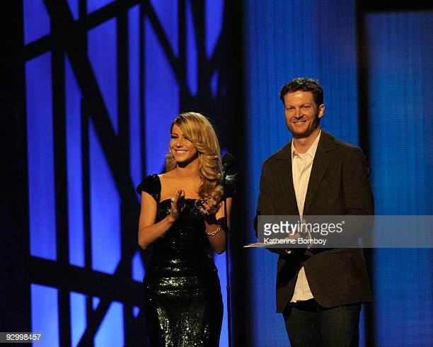 THE 43rd ANNUAL CMA AWARDS THEATRE The 43rd Annual CMA Awards broadcast live from the Sommet Center in Nashville WEDNESDAY NOVEMBER 11 on the Walt...