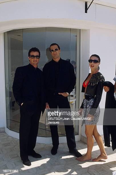 Rendezvous With Sylvester Stallone Le 43ème Festival de CANNES se déroule du 10 au 21 mai 1990 Sylvester STALLONE avec sa compagne Jennifer FLAVIN...