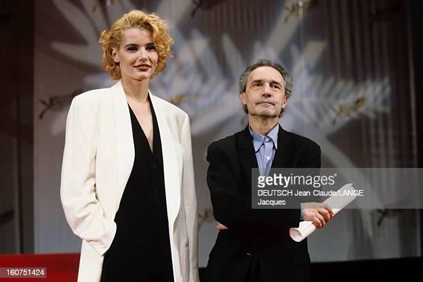 44th Cannes Film Festival 1991: The Winners. Le 44?me Festival de CANNES se d?roule du 9 au 20 mai 1991 : Geena DAVIS souriante posant sur sc?ne aux...