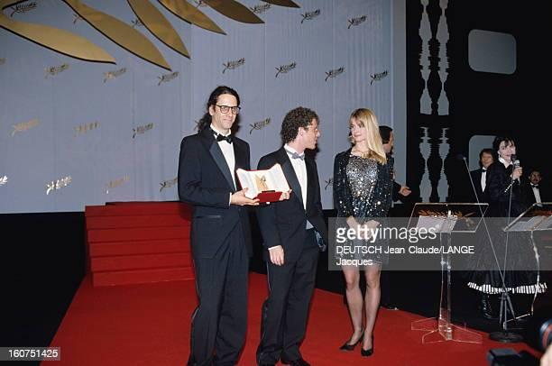 44th Cannes Film Festival 1991: The Winners. Le 44ème Festival de CANNES se déroule du 9 au 20 mai 1991 : Nastassja KINSKI sur scène aux côtés des...