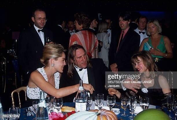 45th Cannes Film Festival 1992: Opening Dinner. Le 45ème Festival de CANNES se déroule du 7 au 18 mai 1992. Gérard DEPARDIEU, président du jury,...